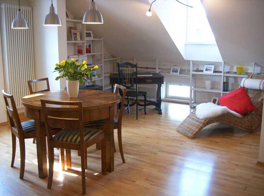 ferienwohnung in regensburg wohnung. Black Bedroom Furniture Sets. Home Design Ideas